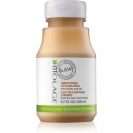 Biolage RAW Styling stylingové uhladzujúce mlieko s medom a ovsom bez parabénov a silikónov  200 ml