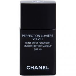 Chanel Perfection Lumière Velvet zamatový make-up pre matný vzhľad odtieň 10 Beige SPF 15  30 ml